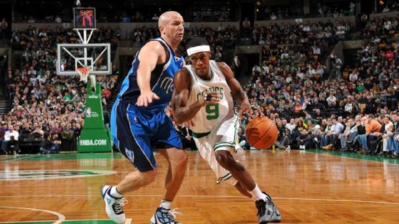 Mavs Win In Rondo's Debut