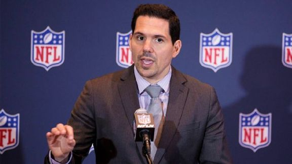 NFL's Savvy Face Of Officials