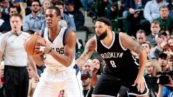 Mavs Fall In Rondo's Return