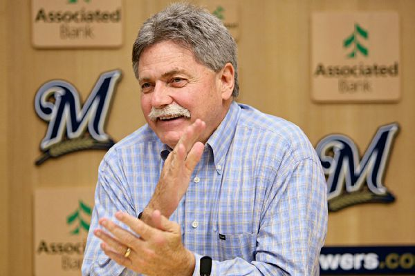 'Energized' Doug Melvin likely would keep Mickey Callaway as manager