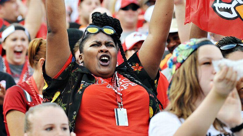 06e1431d Rule 1 In Speaking To Women Fans: Don't Alienate Women Fans