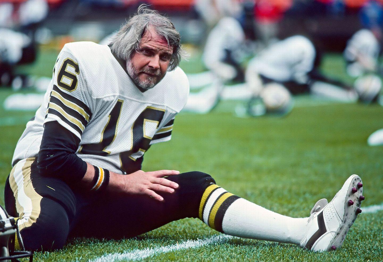 huge discount ce9d7 0bc3d New Orleans Saints quarterback Ken Stabler 1982