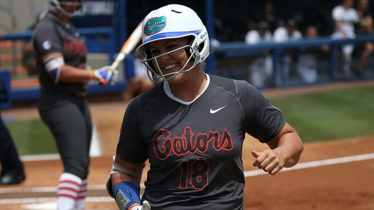 Barnhill, Lorenz NFCA Freshman of the Year finalists