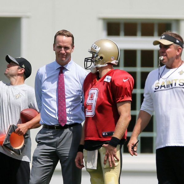 Peyton Manning says 'ultimate pro' Drew Brees deserves to set record for passing yards