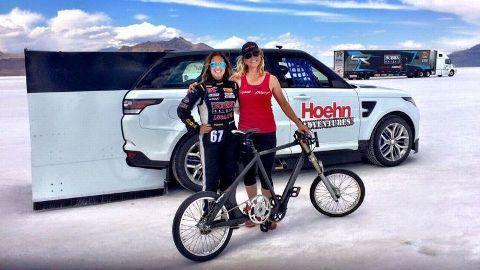 f8338044342 Shea Holbrook, left, and Denise Mueller (Bonneville Salt Flats, Utah) ·  Cyclist Mueller to attempt world speed record