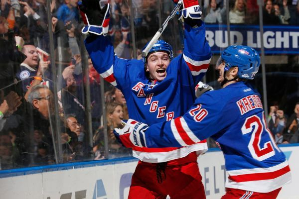 Jimmy Vesey gets 2-year deal from Rangers