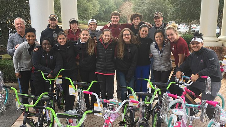 Gamecock Golf helps build bikes through Toys For Tots