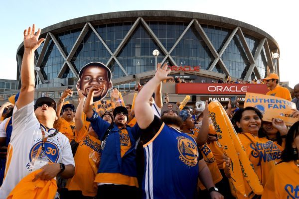 Warriors want to win one more title in Oakland before move
