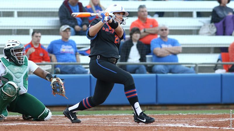 No. 1 Florida splits doubleheader