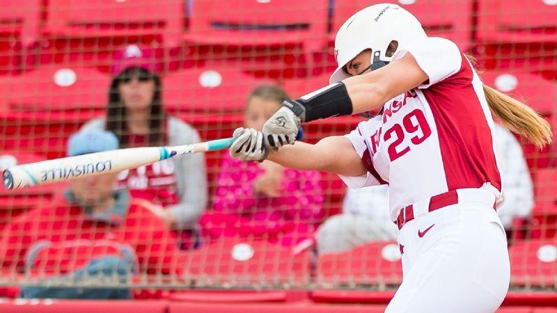 2017 NCAA softball -- Arkansas Razorbacks senior Nicole Schroeder