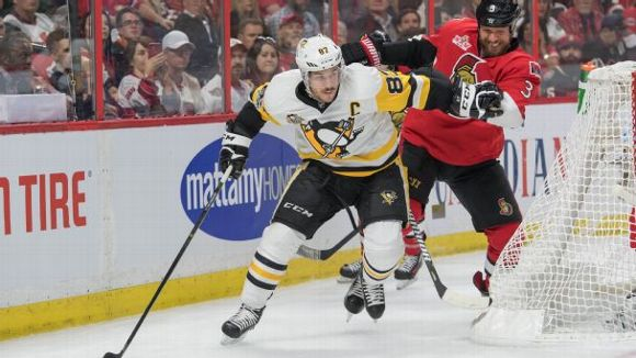 Sidney Crosby and Marc Methot