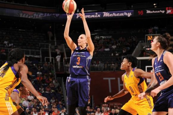 Diana Taurasi (shooting)