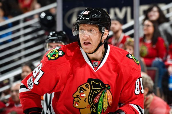 Marian Hossa's contract to Coyotes in multiplayer deal