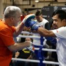 Pacquiao backpedals on Freddie Roach talk