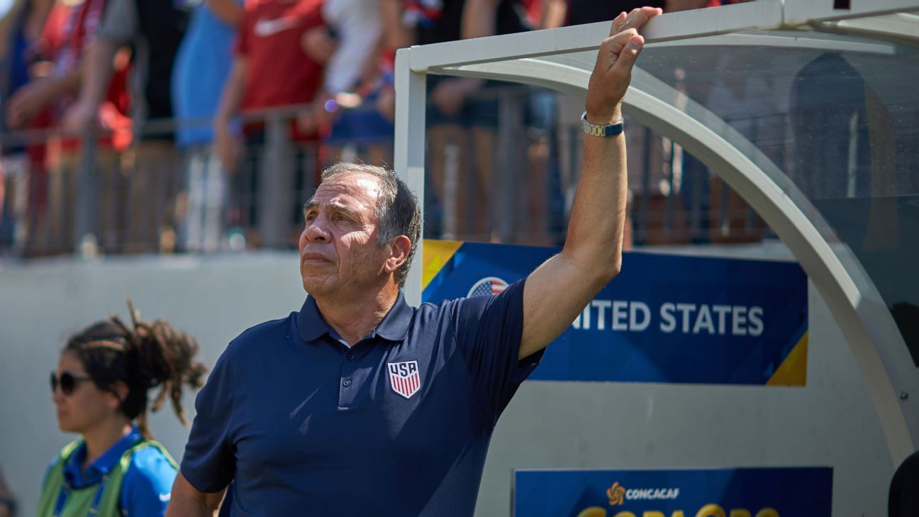 Ex-U.S. coach Bruce Arena: Panama's penalties never called in CONCACAF qualifying