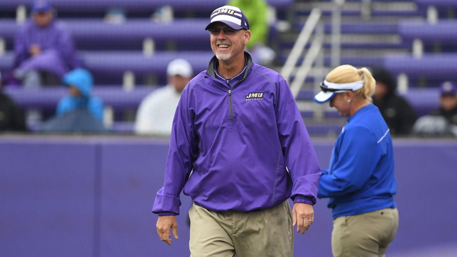 Auburn names new head softball coach