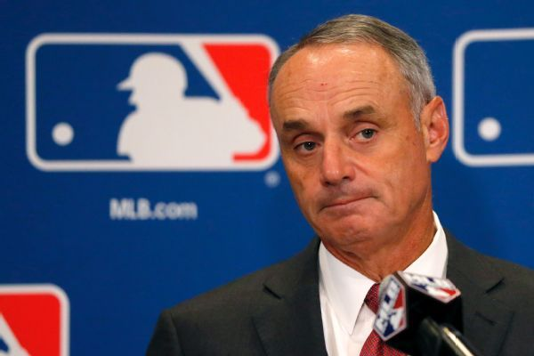 Commissioner, MLBPA executive director disagree on free agency, DH
