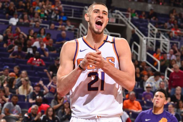 Alex Len agrees to two-year contract with Hawks