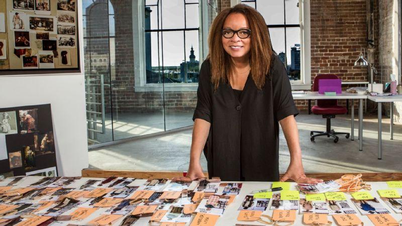 Cinéma : Ruth Carter, première femme noire à recevoir l'oscar du meilleur costume