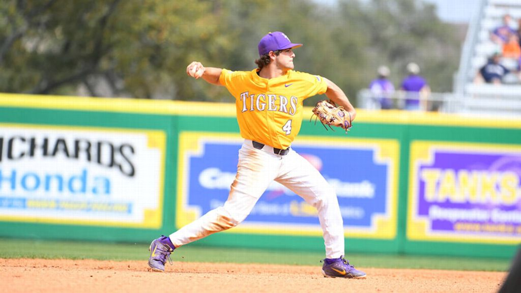 No. 9 LSU falls in series finale vs. Notre Dame
