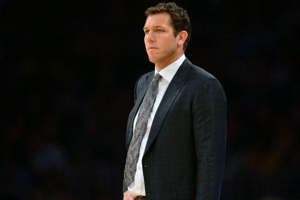 Magic Johnson to Luke Walton: 'Don't worry' if Lakers have bad start