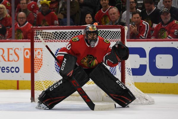 Blackhawks' Corey Crawford says he'll return after 10-month layoff with concussion symptoms