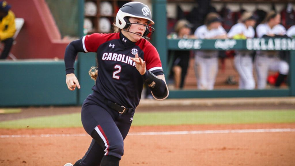 No. 17 South Carolina defeats No. 22 Ole Miss 5-2