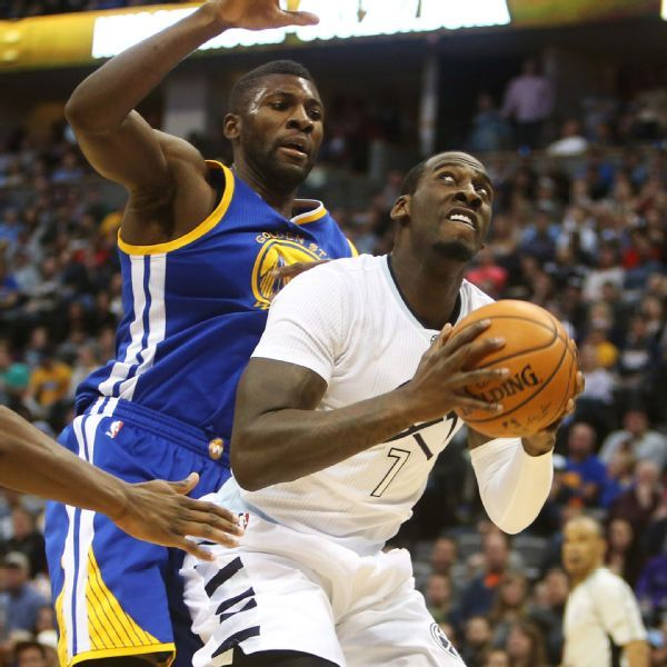 Ex-NBA player J.J. Hickson charged with armed robbery