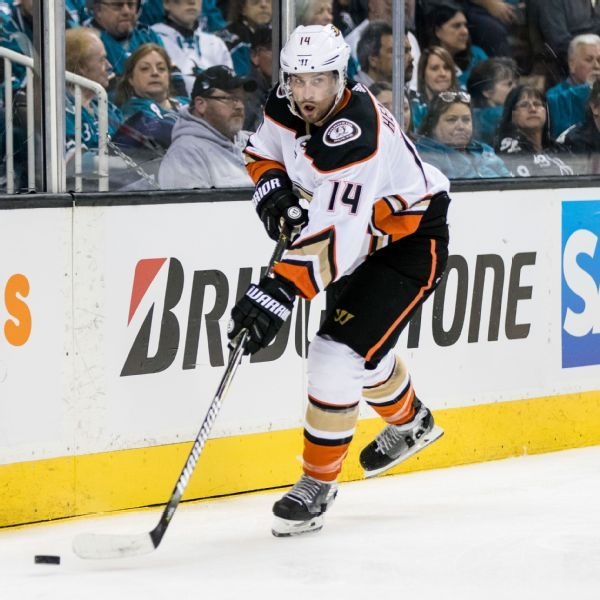 Ducks give center Adam Henrique 5-year extension