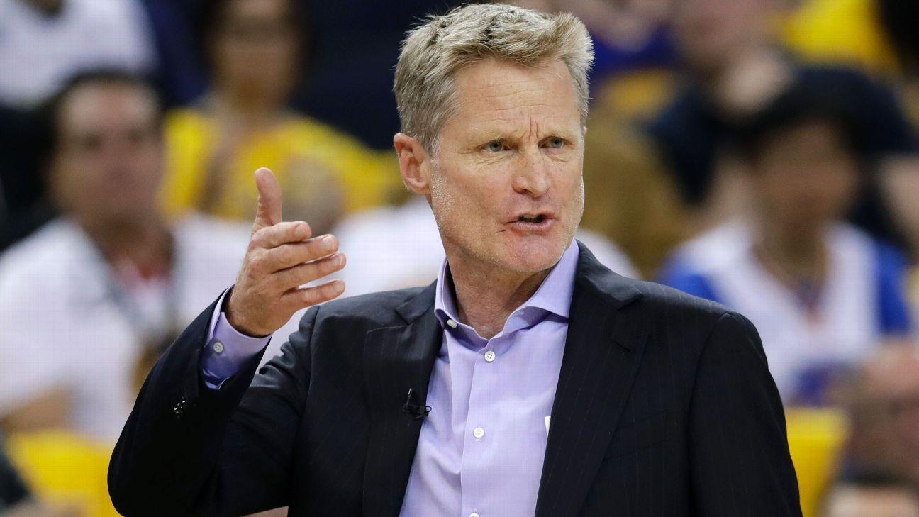Campeón Warriors extiende contrato al coach Steve Kerr