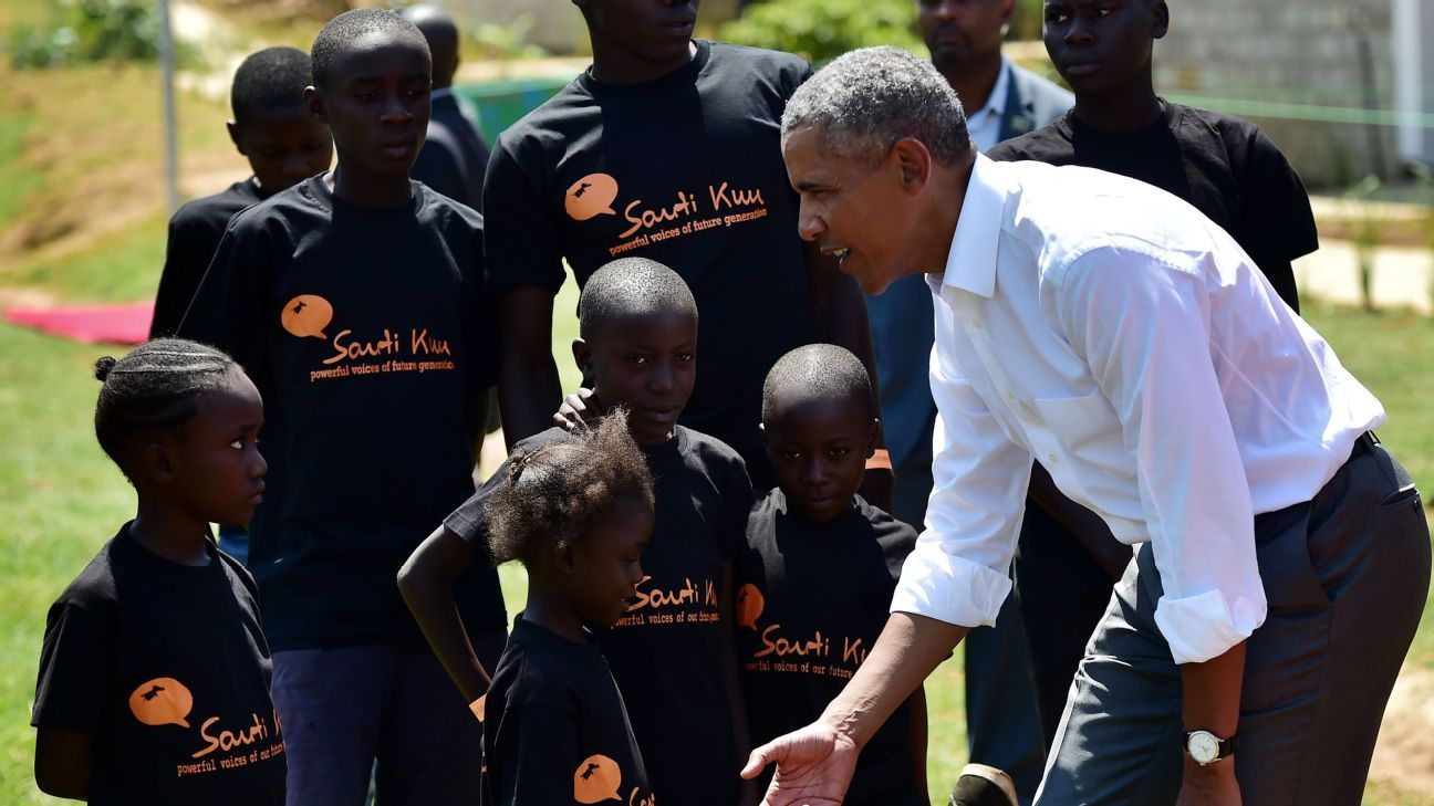 Barack Obama, Bismack Biyombo open court in Kenya