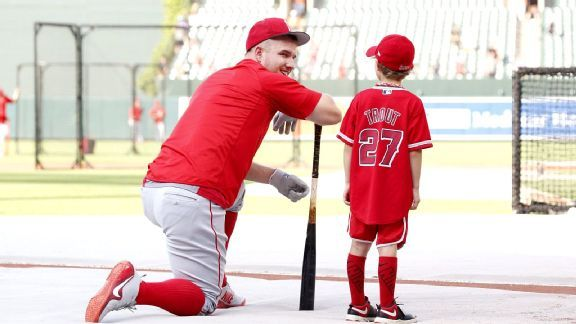 Social media shows Mike Trout is everything that's right about baseball