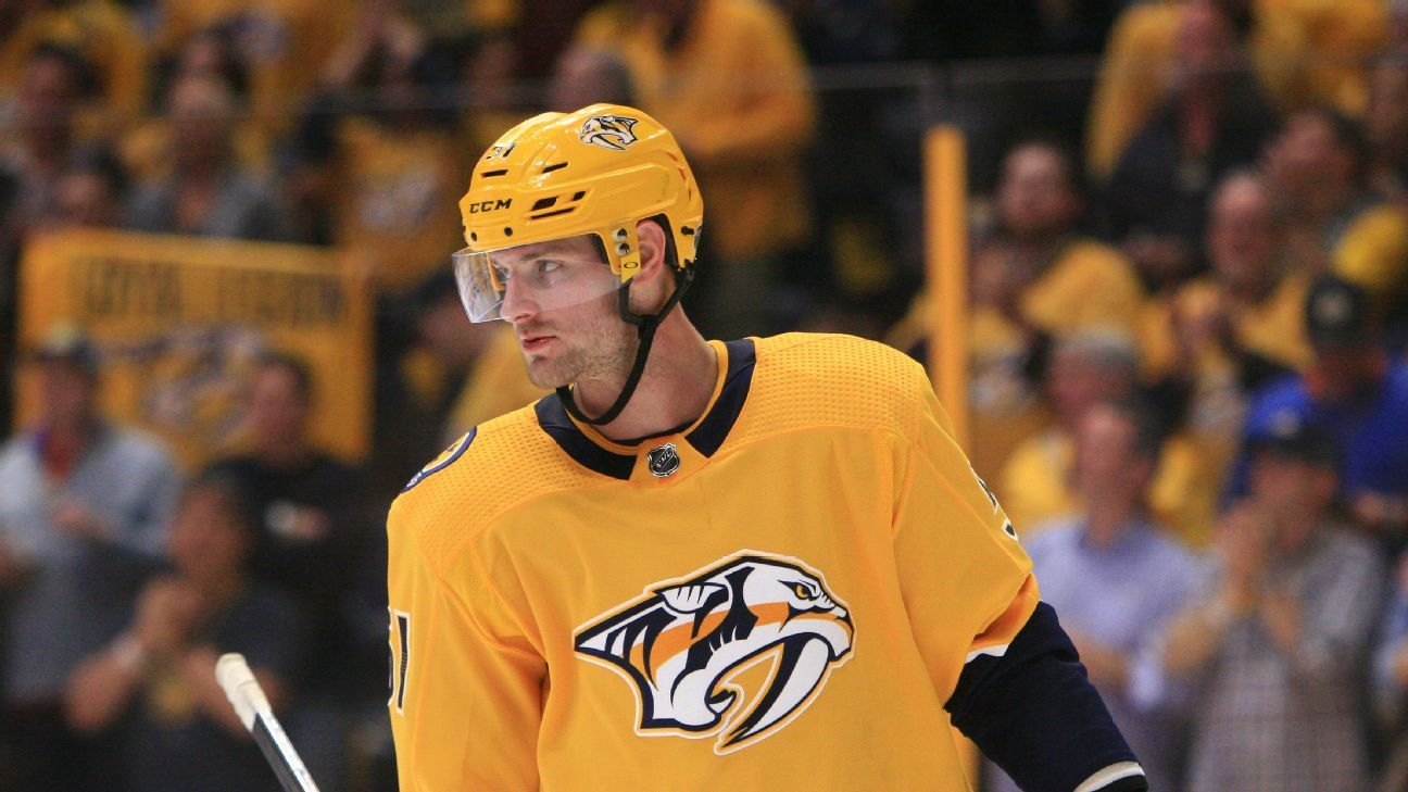 La NHL suspende 27 partidos a Austin Watson, de Predators, por violencia doméstica