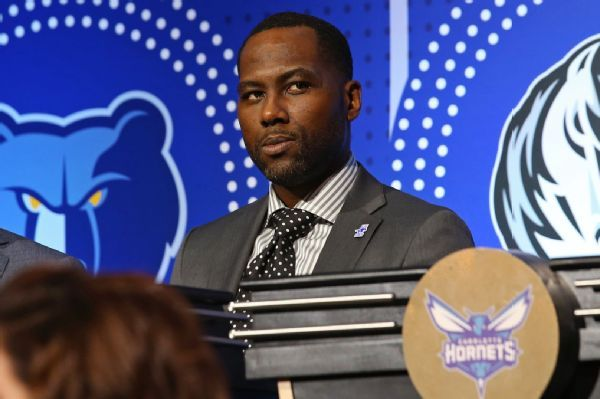 Sixers promote VP of basketball ops Elton Brand to GM role