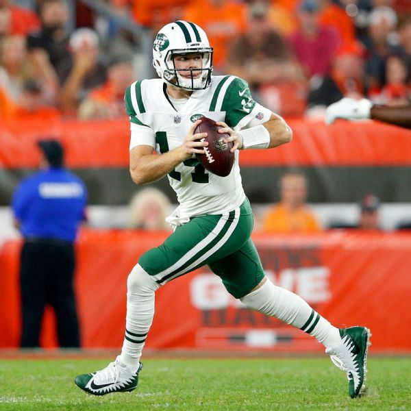 Jets QB Sam Darnold blames self after offense sputters in loss
