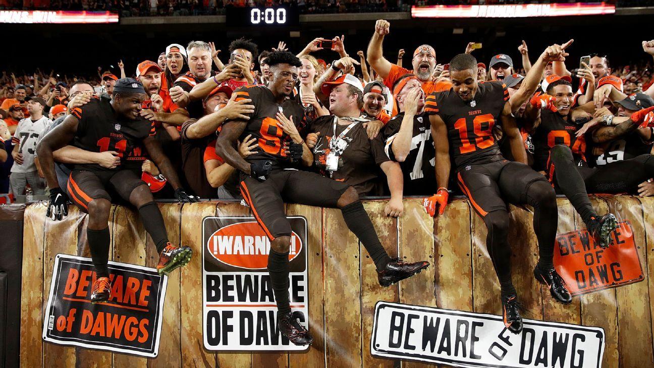 Após 1ª vitória dos Browns em 2 anos, marca de cerveja dá bebida de graça em Cleveland