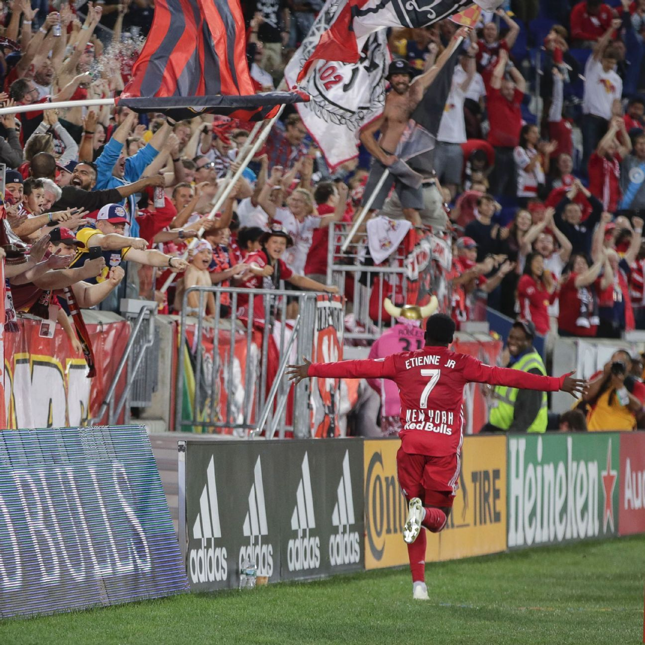 New York Red Bulls further dent Toronto FC's playoff hopes in shutout