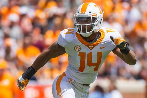 Tennessee's Quart'e Sapp denies coach Jeremy Pruitt's claim that LB refused to enter game