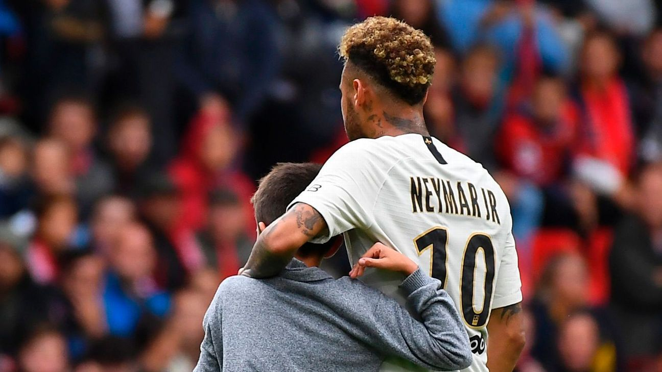 PSG's Neymar: I'll keep showing generosity to young pitch invaders