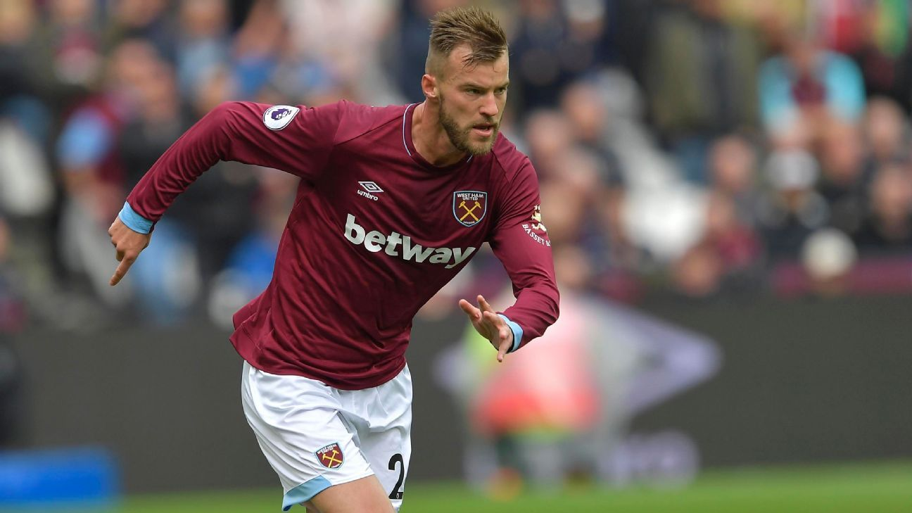 West Ham players tease Andriy Yarmolenko after missing sitter vs. Chelsea