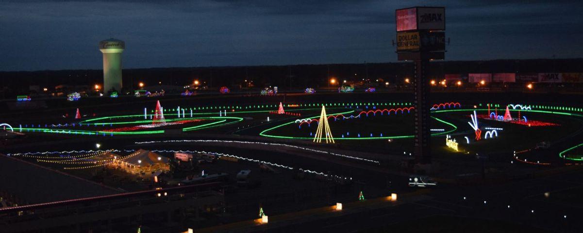 Charlotte Motor Speedway Christmas Lights.Speedway Christmas Returns To Charlotte Motor Speedway