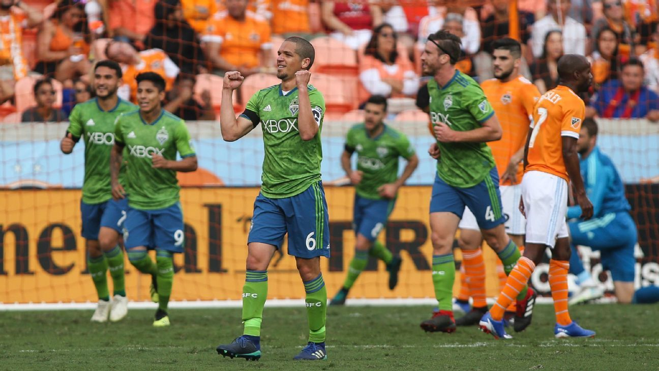 Nicolas Lodeiro breaks Seattle assists record in 3-2 win at Houston
