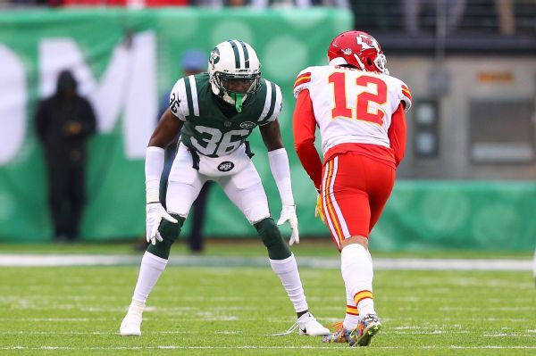 Jets' Doug Middleton has torn pectoral, will miss rest of season