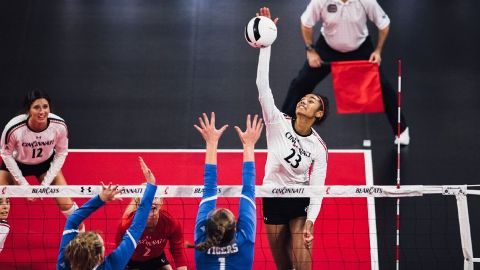 c972c20f2f NCAA volleyball tournament -- How many players over 6-foot-6 do you see?