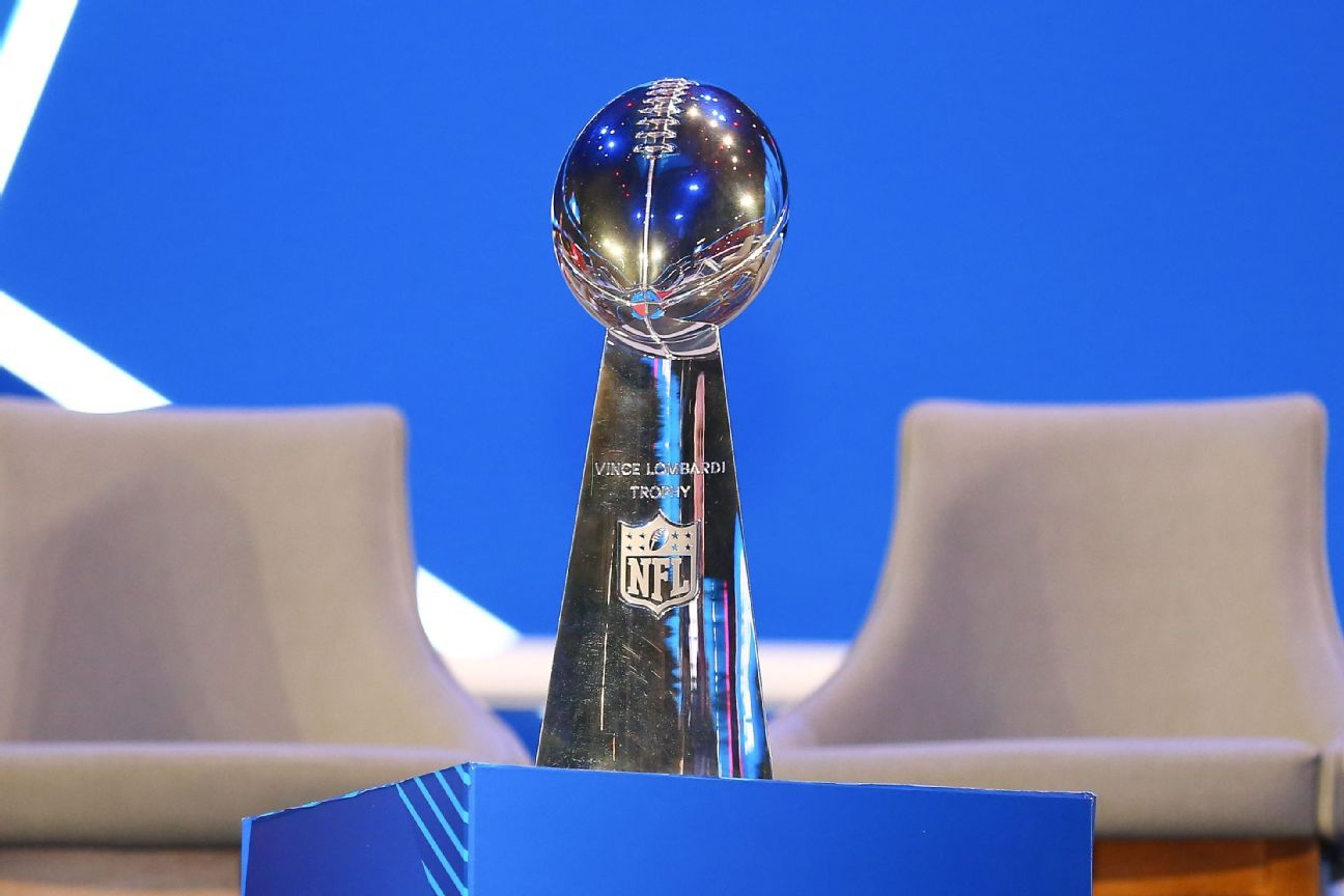 NFL Opening Night, trofeo lombardy