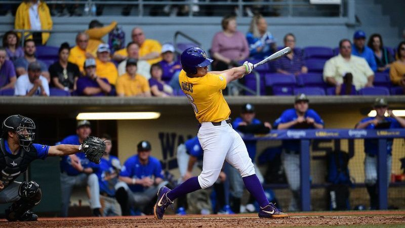 Offense shines for No. 1 LSU