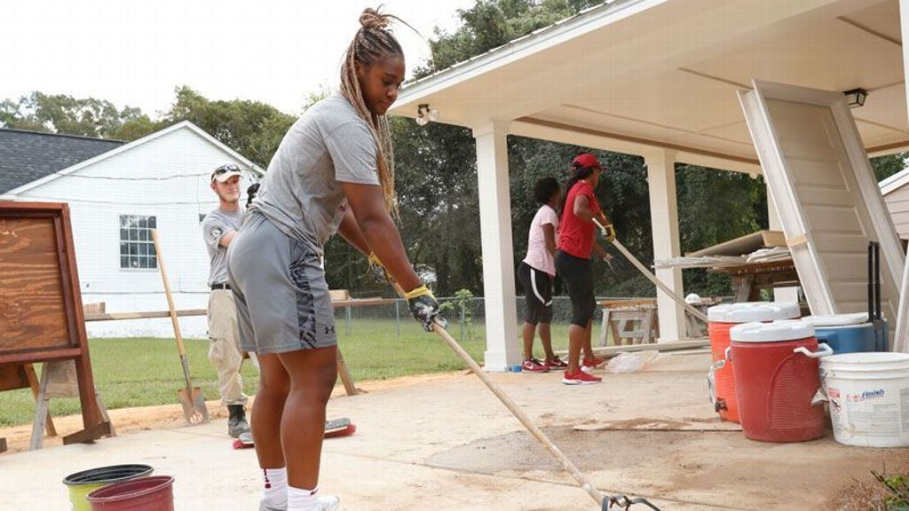 SEC announces Women's Basketball Community Service Team