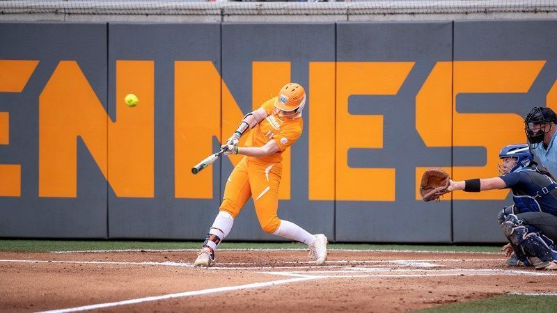 No. 8 Lady Vols hit two grand slams, throw no-hitter