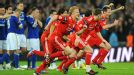 Liverpool celebrate after winning the Carling Cup following a penalty shootout
