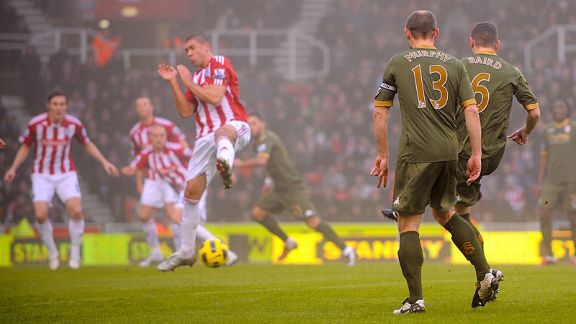 Chris Baird second goal Fulham v Stoke
